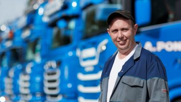 Top benefits of hiring our trucking service