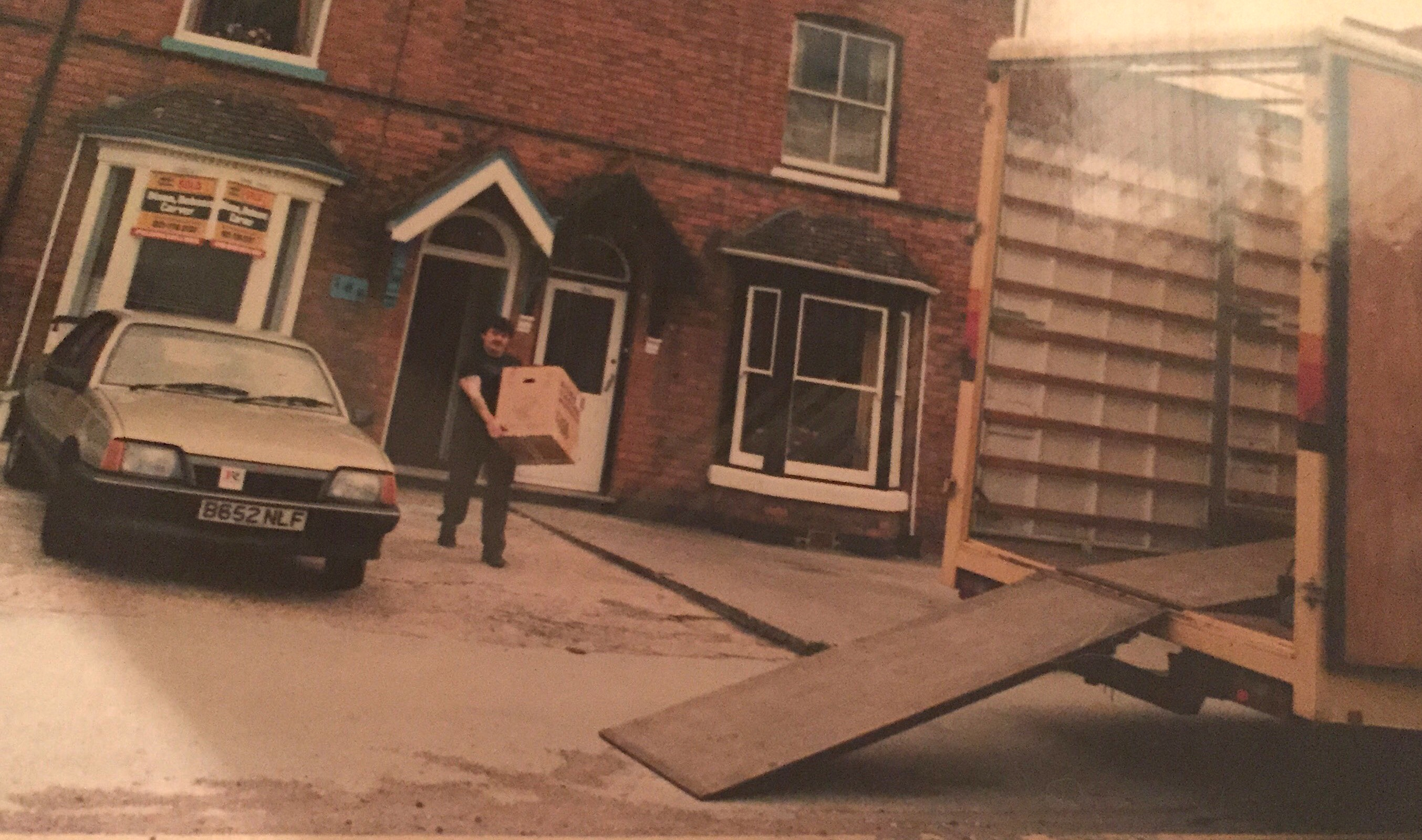 This thread is for thought-unprovoking pictures - Page 4 1986-D.-J.-Ponsonby-Ltd-original-office-ay-188-Yardley-Road-Birmingham-on-moving-Day-in-May-1986